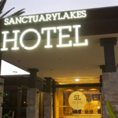 sanctuarylakes-front-night